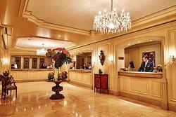 Brady Bunte- Steigenberger Franfurt Hotel