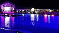 Pool, bar, restaurant area