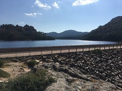 Barrage offrant un beau panorama
