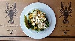 Το καλοκαίρι οι σαλάτες δεν λείπουν από το τραπέζι σας