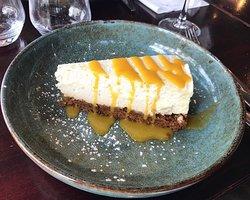 Notre fabuleux cheesecake & son coulis de fruits exotiques