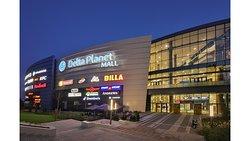 Night Delta Planet Mall