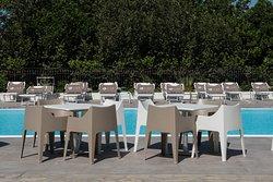 Bordo piscina Likò resort