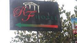 Papan nama hotel