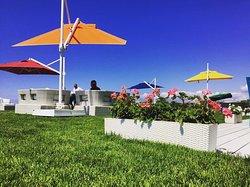 Q Beach Restaurant Lounge