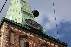 첨탑의 시계
