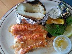 Fresh seafood, fun atmosphere, quaint neighborhood restaurant
