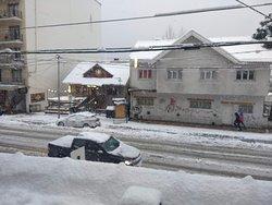Vista de la habitación en un día muy nevado.