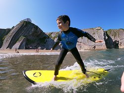 Surfing Zumaia - Surf school - Escuela de surf - Surf eskola
