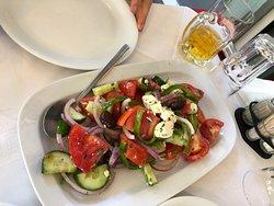 Un repas copieux et très agréable après l'acropole