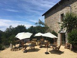 #terrasse #soleil #jardindes4m #été #parasol #pleinsud #déjeunerenterrasse #saintrégisducoin #parcdupilat #pilatmonparc #saintetienne