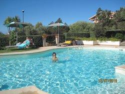 la piscina....