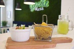 Estamos à sua espera, aos almoços e jantares! Venha visitar-nos!  ☎ 211601592 ✉ geral@greatmess.pt 📍Rua Ilha das Flores, N62 loja C, 2775-802 - Sassoeiros