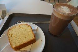Very good soy hot chocolate, average lemon cake