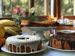 Variedades de bolos, preparados por nós mesmos.