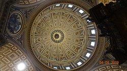 Stato della Città del Vaticano. Basilica di San Pietro, Baldacchino di San Pietro (Aprile 2019)