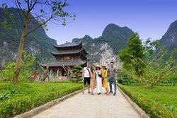 Trang An king kong photo tour