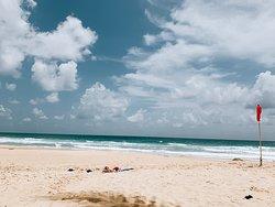 한적하고 여유로운 바닷가