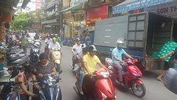 Hanoi traffic - Rental Motorbike Vietnam