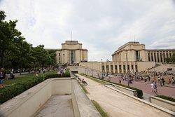 J'ai bien aimé la reconversion de ce palais en différents musées et trouve l'idée géniale.