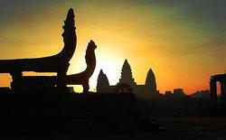 Holystone Angkor Travel&Tours