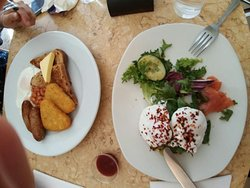 Classic breakfast & afternoon tea cafe