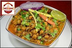 Pois chiches || Chickpeas Curry Paris || Restaurant Indian Paris || Shah Restaurant and Sweet || Menu 5euro ----- Nos merveilles à découvrir sur http://www.shahrestaurantparis.com Sur place | À emporter || Eat In | Takeaway T : 09 54 40 62 62 OUVERT TOUS LES JOURS : 09H à 23H30 (Servi Continu) OPEN EVERY DAY: 09am till MidNight