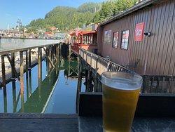 Nice bar walking distance from ship