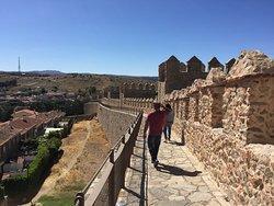 Passeando com um casal de amigos e conhecendo cidades de Portugal e da Espanha e aqui estamos em Ávila..