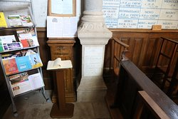 L'intérieur de cette chapelle