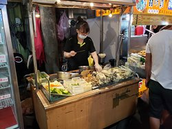 Sesame pork bun at Tonghua Night Street Market, Taipei