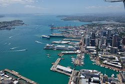 Home of the America's & Lipton Cup tours Auckland City Private Tour go sailing on a real America's Cup boat ©ChauffeuredToursnz North Island New Zealand tour