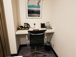 Twin-bed room work station