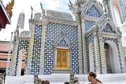 Amazing architecture and bronzes