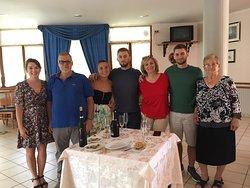 Il ristorante, gli ospiti , la direzione, un po' di cucina !!!