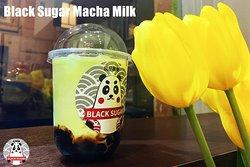 Classic Bubble Tea with Fresch Milk, 100% Matcha Powder and Brown Sugar Tapioca.