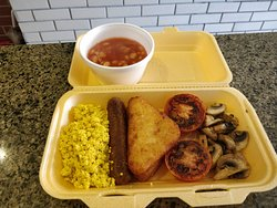 Take away: vegan English breakfast. Ready to eat 😋  wwww.caloroso.co.uk  Call 020 7055 3733 for 10% home delivery discount