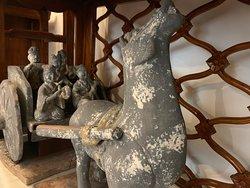 漢時代の俑馬。
