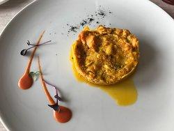Lasagnetta di pasta all'uovo con brunoise di lago, profumata al curry delicato