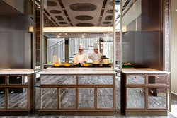 Le Manoir Ling • Dining - Open Kitchen