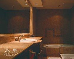 Baño con hidromasaje habitación superior