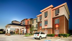 Best Western Plus Lake Dallas Inn Su