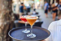 Condado Lounge: Desayunos, comidas y cenas. Cocktails Party