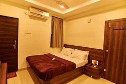 Double Bed AC