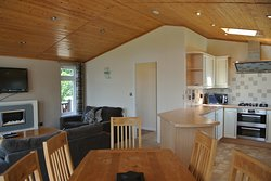 Field View 2 Bed, Open Plan Living Area, Dining Area and Kitchen