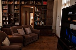 A cosy lounge with free WiFi and DSTV (hotel bouquet) offers our Frieda Apartment
