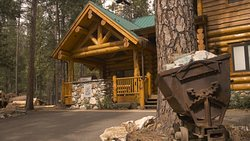The Redwoods In Yosemite's El Capitan, part of Yosemite's Luxury Collection of vacation home rentals.