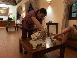 Durante l'attesa dei nostri massaggi prenotati, nell'area Spa viene servito un buonissimo tè rinfrescante