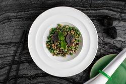 Black Truffl e Fox Nut Barley with Green Peas and Mushrooms