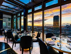 Fine dining experience with incredible views of London and the River Thames